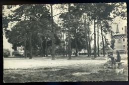 Cpsm Du 91 Sainte Geneviève Des Bois - Le Parc - Jardin Public   AG15 7 - Sainte Genevieve Des Bois