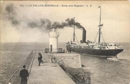 17 - La PALLICE-ROCHELLE - Sortie D'un Paquebot - La Rochelle