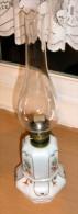 (4Scan) Wunderschöne Seltene JUGENDSTIL PETROLEUMLAMPE Mit Mehrfärbiger Verzierung - Verre & Cristal
