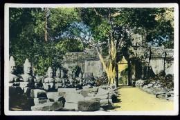 Cpa Du Cambodge Angkor Thom Porte Est Dite De La Victoire    AG15 26