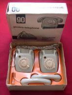 TELEPHONE INTERCOM GEOBRA-TELEPHONE - ANNEES 1960 -  CABLE DE PLUS DE 100 METRES RELIANT LES 2 TELEPHONES - Jouets Anciens