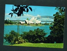 AUSTRALIA  -  Sydney  Opera House And Harbour Bridge  Used Postcard As Scans - Sydney