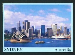 AUSTRALIA  -  Sydney  Opera House And City Skyline  Used Postcard As Scans - Sydney