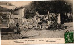 SENLIS .. LA RUE DE LA REPUBLIQUE BOMBARDEE PAR LES ALLEMANDS - Senlis