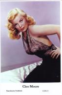 CLEO MOORE - Film Star Pin Up - Publisher Swiftsure Postcards 2000 - Artiesten