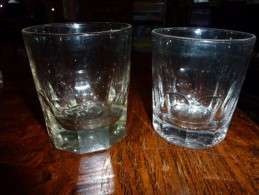 2 VERRES  ANCIENS CRISTAL - Gläser