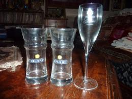 2 VERRES  ANCIENS PUB RICARD ET 1 FLUTE CRISTAL GODME - Glasses