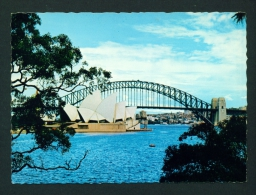 AUSTRALIA  -  Sydney  Harbour Bridge And Opera House  Unused Postcard As Scan - Sydney