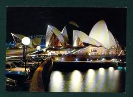 AUSTRALIA  -  Sydney  Floodlit Opera House  Unused Postcard As Scan - Sydney