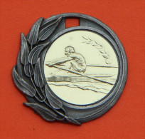 Médaille Métal Couleur Bronze Et Dorée - Aviron - Aviron
