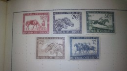 MINT HINGED WORLD THEMETIC HORSES - Horses