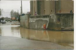10x15  Metz -Magny   Innondations Pres De L´Eglise En Janvier 1997 - Francia