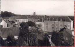 -- 36 -- LOURDOUEIX  - SAINT MICHEL --  LE COLLEGE -- CARTE PHOTO M. ROUSSEL --1954 -- - Frankreich