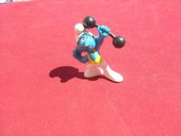 Figurine Vintage:  Schtroumphs : ..schlelch  / PEYO..made In Portugal...daté De 1972   ..BON ETAT - Schtroumpfs (Los Pitufos)