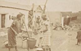 Niger Niamey Femmes Haoussas Pilant Le Fou Fou Ancienne Photo Instantanée 1929 - Africa