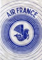 AIR  FRANCE  - Petit Sachet  Contenant Un Morceau De Coton (d'origine)  Pour Se Boucher Les Oreilles Pendant Le Vol. - Aviation Commerciale