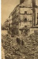 CPA  (44) NANTES  Apres Les Bombardements LE HAUT DE LA RUE DU CALVAIRE VERS LA PLACE DELORME - Nantes