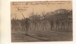 04 - CPA - DIGNE - Place Du Tampinet - Exercice Militaire - Belle Carte ANIMEE Peu Commune - Digne