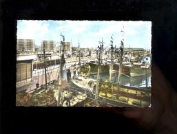 BOULOGNE SUR MER Pas De Calais 62 : Bassin à Flot Gare Maritime Halles Quais 1967 Bateaux Boats Wagon Sncf - Boulogne Sur Mer