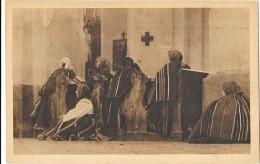 LOWICZ (Pologne) Femmes Priant à L'église Gros Plan - Pologne