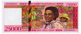 MADAGASCAR 25000 FRANCS ND(1998) Pick 82 Unc - Madagascar