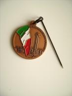 BARI   ANA ASSOCIAZIONE NAZIONALE ALPINI      MILITARE  ITALIA   INSIGNE Pin's  DISTINTIVO - Esercito