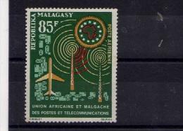 "Madagascar (1963)  -  P A ""U.A.M.P.T."" Neufs*"