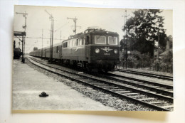 Photo Locomotine N° 1110 09  Gare Autriche Cliché SCHNABEL 1964 - Gares - Avec Trains