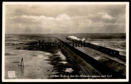 ALTE POSTKARTE SYLT DER HINDENBURGDAMM MIT DEM D.-ZUG DAMPFLOK Eisenbahn Steam Train Locomotive à Vapeur Ansichtskarte