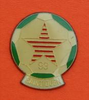 Pin´s - Club Foot De Saint-Ouen - 93 - Ballon - Etoile - Football