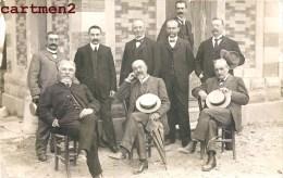CARTE PHOTO : AUPS PERSONNAGE A IDENTIFIER MAIRE ? POLITICIEN ? ARTISTE ? 1907 BISMES 83 VAR - Aups