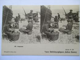 PECHEURS Les Préparatifs     - Belle Vue Stéréoscopique  Julien DAMOY  N°10 - Cartes Stéréoscopiques