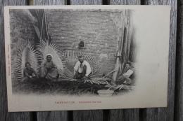 Carte Postale Ancienne Saint-Saulge Nièvre Fabrication Des Vans Animée Vanniers - France