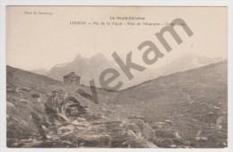 """Cpa """" Luchon -Pic De La Pique -Port De Venasque-Campsaure """"  ( Homme Avec Un Fusil ) - Luchon"""