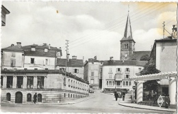 Bains-les-Bains (Vosges) - Le Bain Romain Et Rue De L´Hôtel De Ville - Edition Géhair - Carte G.R. Dentelée - Bains Les Bains
