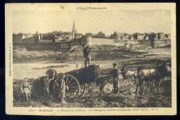 Cpa Du 35 St Malo - La Récolte Du Goëmon - Les Remparts , Parties Occidentales ( XIIIè Siècle   AG15 20 - Saint Malo