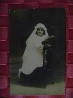 CARTE PHOTO DE COMMUNIANTE -CANNES EN 1924 - Persone Anonimi