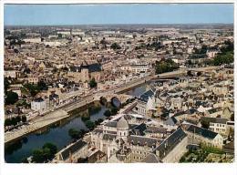 Laval - Vue Générale Et La Mayenne - Circulé 1970 - Laval