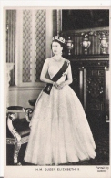 H M QUEEN ELIZABETH II  106 - Familles Royales