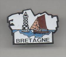 PINS PIN'S VILLE REGION BRETAGNE  BATEAU VOILE - Villes