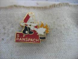 Pin´s Des Sapeurs Pompiers De RANSPACH (Dépt 68). Moustaches Blanches - Pompiers