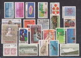 CANADA 22 TIMBRES OBLITERES VALEUR + DE 30,00 EUROS ANNEES 1970/1979 - 1952-.... Règne D'Elizabeth II