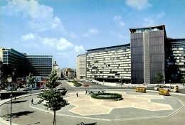 Belle  CPSM   -    Belgique  -  Brussel    -  Place Schuman ,complexe Marché Commun       G981 - Marktpleinen, Pleinen