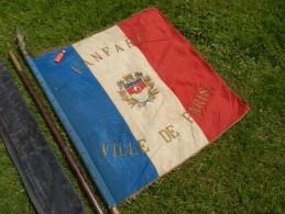 SUPERBE DRAPEAU FANFARE De PARIS Années 1920-1930 à Voir !!!!!!!!! - Drapeaux