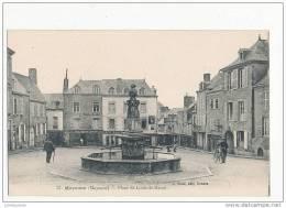 53 MAYENNE PLACE SAINT LOUIS DE HERCE CPA BON ETAT - Mayenne