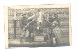 Photo Carte Humoristique - Armée Belge - Certainement à Beverloo (Y66) - Armement - Humor
