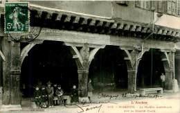 Belle Carte  Cpa -   Mirepoix - La Maison  Historique Sur La Grande Place  , Animée               L817 - Mirepoix