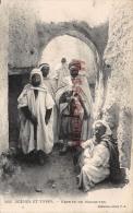 ALGERIE -   GROUPE DE MOZABITES   - Dos Vierge -  2 Scans - Scènes & Types