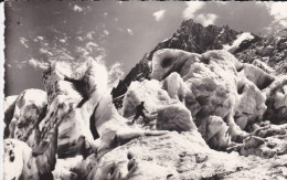 74----AU PAYS DU MONT-BLANC---les Grands Séracs Du Glacier Des Bossons--voir 2 Scans - Chamonix-Mont-Blanc