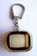 PORTE CLES KEY CHAIN BOURBON - GRAMMONT - INCLUSION TELEVISEUR TELEVISION - Portachiavi